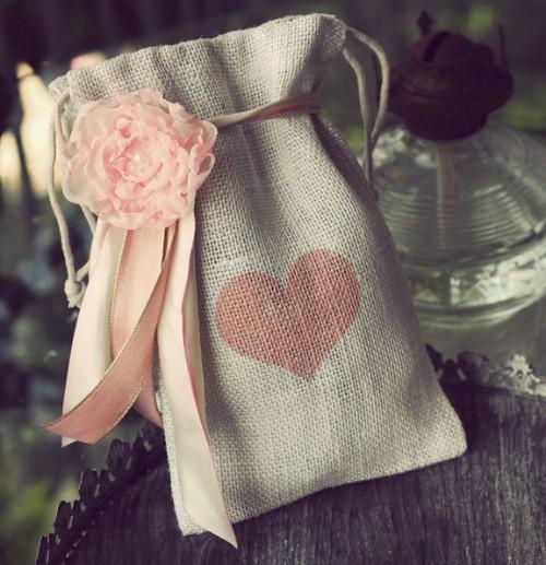 Ivory-Burlap-Heart-Gift-Bag
