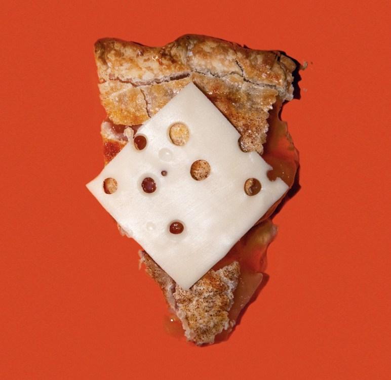 Wisconsin - Prepovedano serviranje jabolčne pite brez sira v javnih restavracijah.