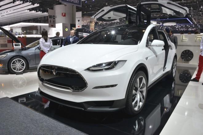 Tesla x sicer še v študijski obliki, je bil prvič predstavljen pred dobrima dvema letoma na salonu v Detroitu, ko je dvignila veliko prahu.