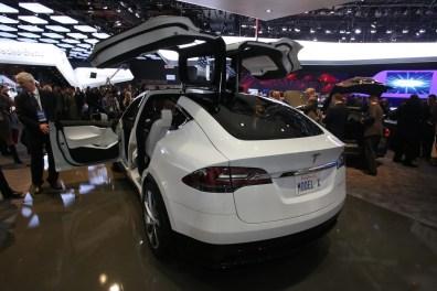 Tesla-Model-X-7[2]