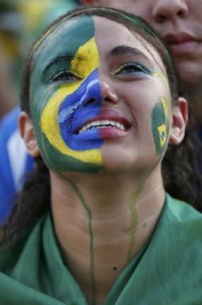 2014-07-08T205846Z_1647045708_TB3EA781OWUBJ_RTRMADP_3_BRAZIL-WCUP