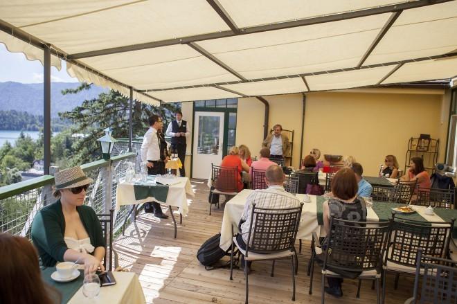 Kulinarično uživanje na terasi z razgledom