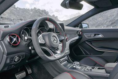 Mercedes-CLA-Shooting-Brake-2015-Vorstellung-1200x800-2159d25594279f4f