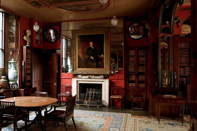 Muzej Johna Soanea je poln umetnin in starin iz 19. stoletja.