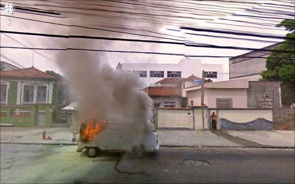 Volkswagno T2 v plamenih.