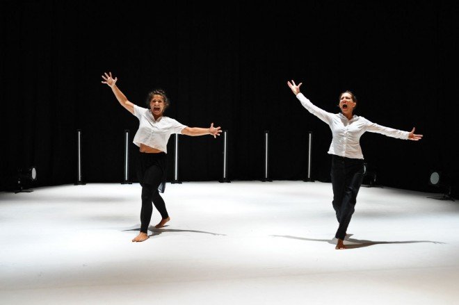 Prizor iz predstave Sezona lova koreografa Milana Tomašika (foto: Natalia Zajačikova)