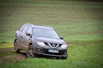 Nissan_X-Trail_050