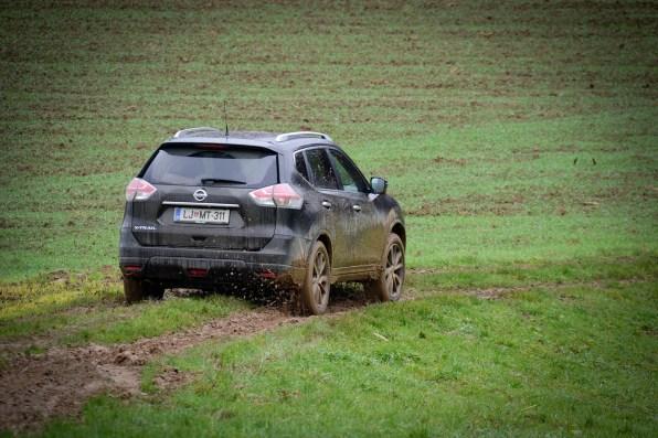 Nissan_X-Trail_053