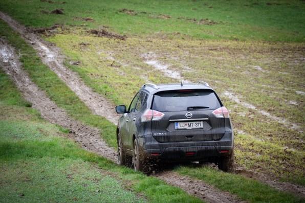 Nissan_X-Trail_058