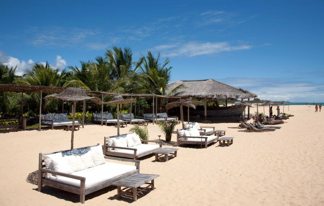 Plaža in Uxua Casa Hotel v Trancosu, Brazilija.