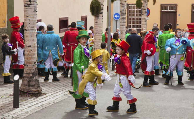 Sodelovanje na karnevalu v mestu Santa Cruz de Tenerife se začne že v zgodnjem otroštvu.