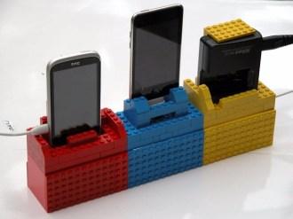 Lego kocke lahko uporabite za izdelavo stojala za pametni telefon.