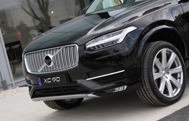 Nos vozila je futurističen, svetila pa svetijo v celoti s pomočjo naprednih LED diod in se samodejno prilagajo razmeram, vozniku in tudi ostalim udeležencem v prometu.