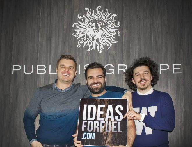 Jonay Sosa (na sredini) v druzbi publicisovih kreativcev.