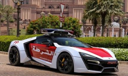 Lykan HyperSport, superavto policije iz Abu Dhabija.