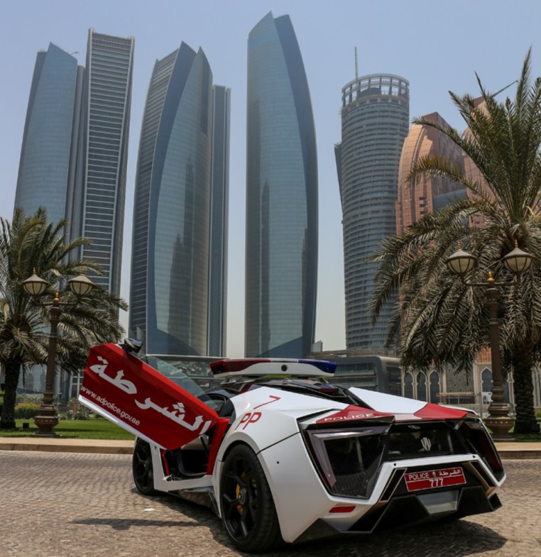 Lykan-HyperSport-Third-Most-Expensive-Car-In-The-World-9