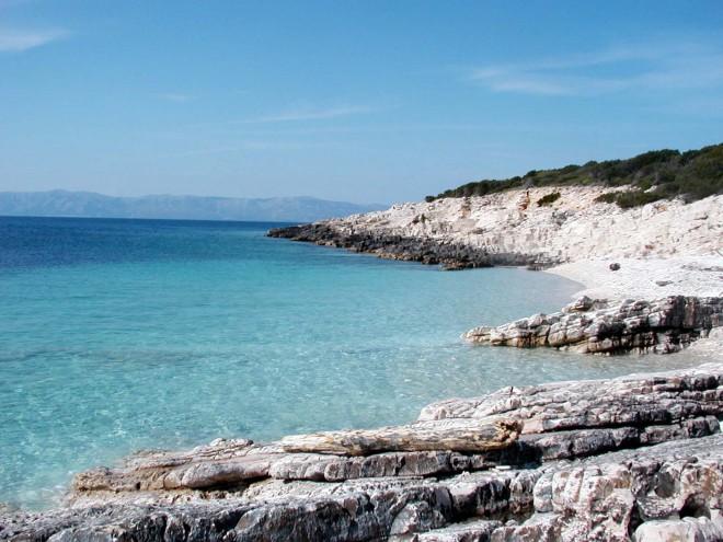 Nudistična plaža na otoku Proizd