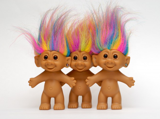 Male figurice z natupiranimi frizurami živahnih barv, ki slišijo na ime Trolčki, so se prvič pojavili že leta 1959, nazadnje pa so bili pri nas noro popularni v devetdesetih.