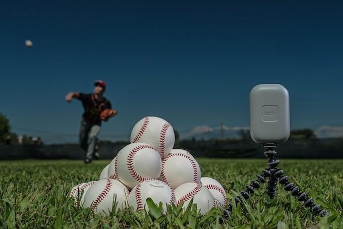 Naprava za merjenje hitrosti bejzbol žogice Scoutee