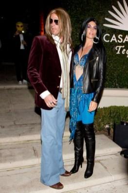 Cindy Crawford in Rande Gerber kot Cher in Greg Allman