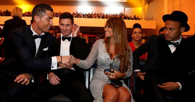 Lionel Messi, Antonella Roccuzzo, Cristiano Ronaldo in Neymar na letošnji podelitvi zlate žoge.