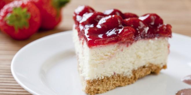 Cheesecake z jagodami brez pečenja