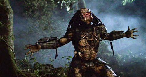 Kevin Peter Hall kot stvor v filmu Predator