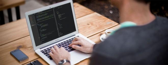 Razvijalec aplikacij je izredno mlad poklic, saj še deset let nazaj sploh ni obstajal.