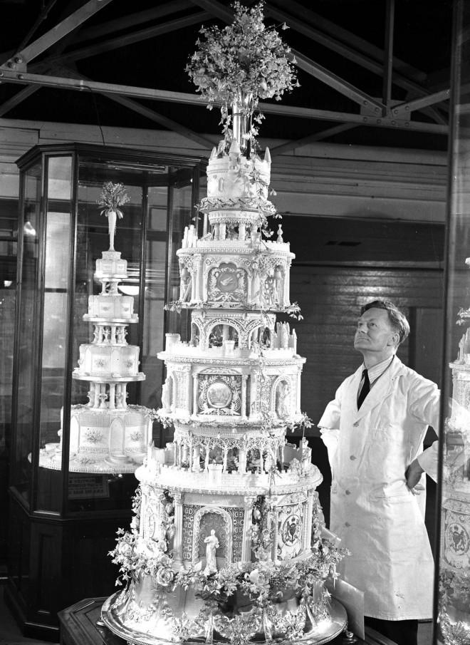Poročna torta princa Philipa in kraljice Elizabete II.