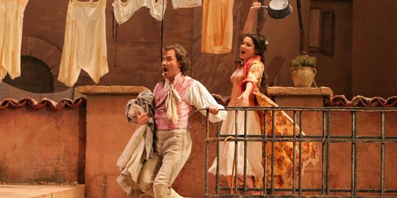 Opero je napisal italijanski skladatelj Gaetano Donizetti.