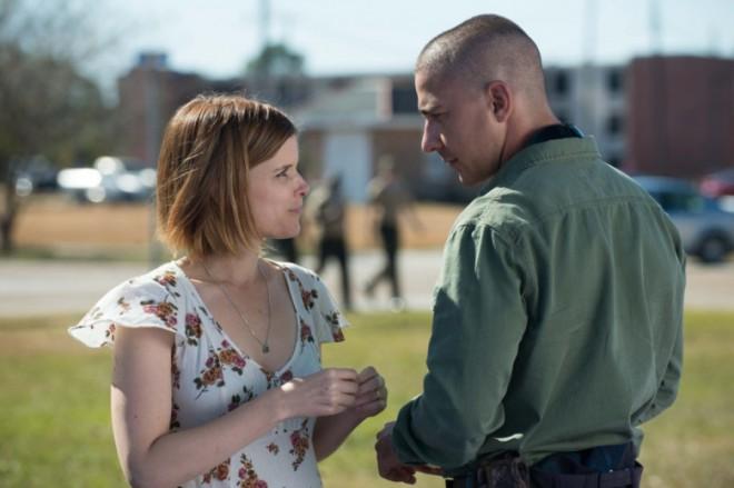 Shia LaBeouf in Kate Mara v filmu Man Down.