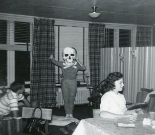 Kostumi za noč čarovnic nekoč