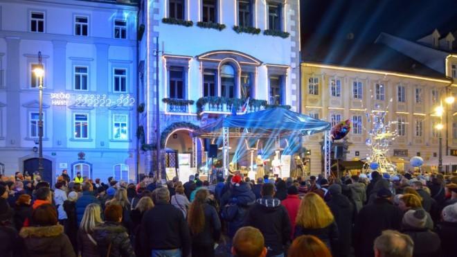 Božični koncert na Mestnem trgu (Foto: Dunja Wedam)