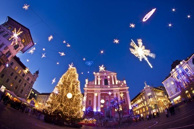 Lučke letos prižigamo 25. novembra (Foto: Shutterstock)
