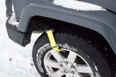 Trac-Grabber vas reši, ko se pnevmatike vrtijo na mestu.