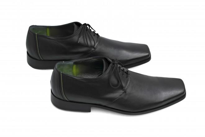 Predviden rok dobave čevljev je konec januarja 2017.