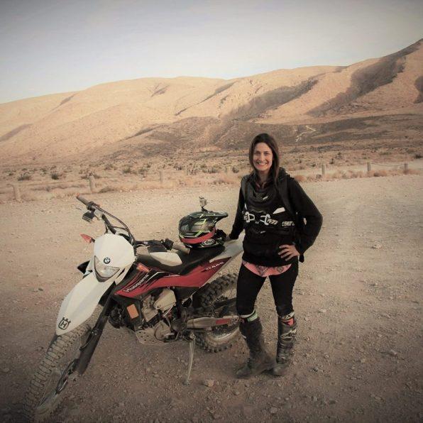 Nikki Misurelli po svetu z motorjem potuje sama.