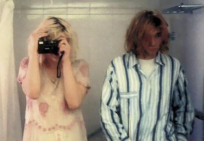 Courtney Love in Kurt Cobain, 1992