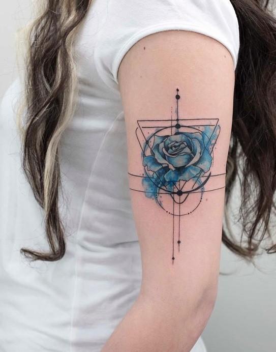 Pomladno-poletni tatuji, zaradi katerih bi se takoj dali tetovirati.