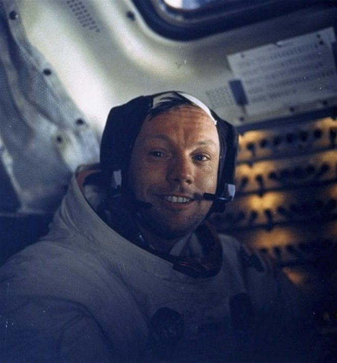 Neil Armstrong je tega selfija posnel že leta 1969.