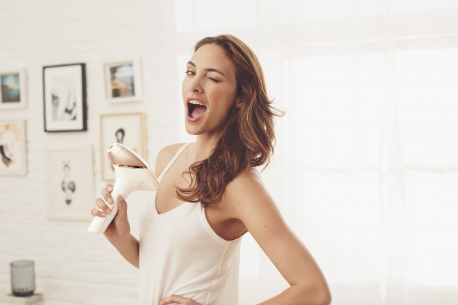 Želiš svilnato gladko kožo brez dlačič? Uporabi Philips Lumeo Prestige.
