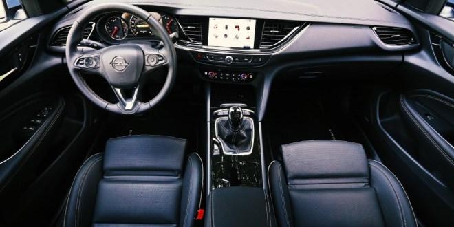 Vožnja z Insignio Grand Sport je zelo udobna in uglajena.