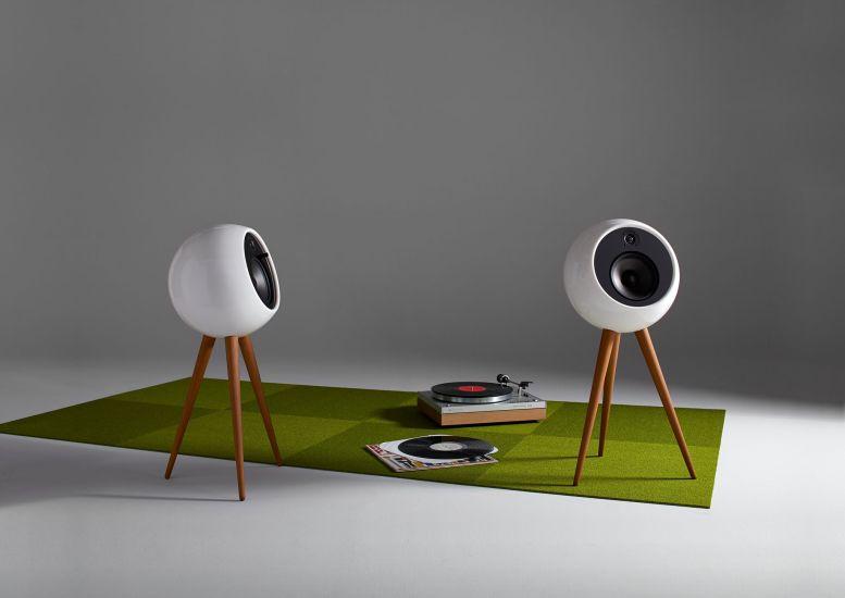 Bossa Moonraker – retro futuristična zvočnika