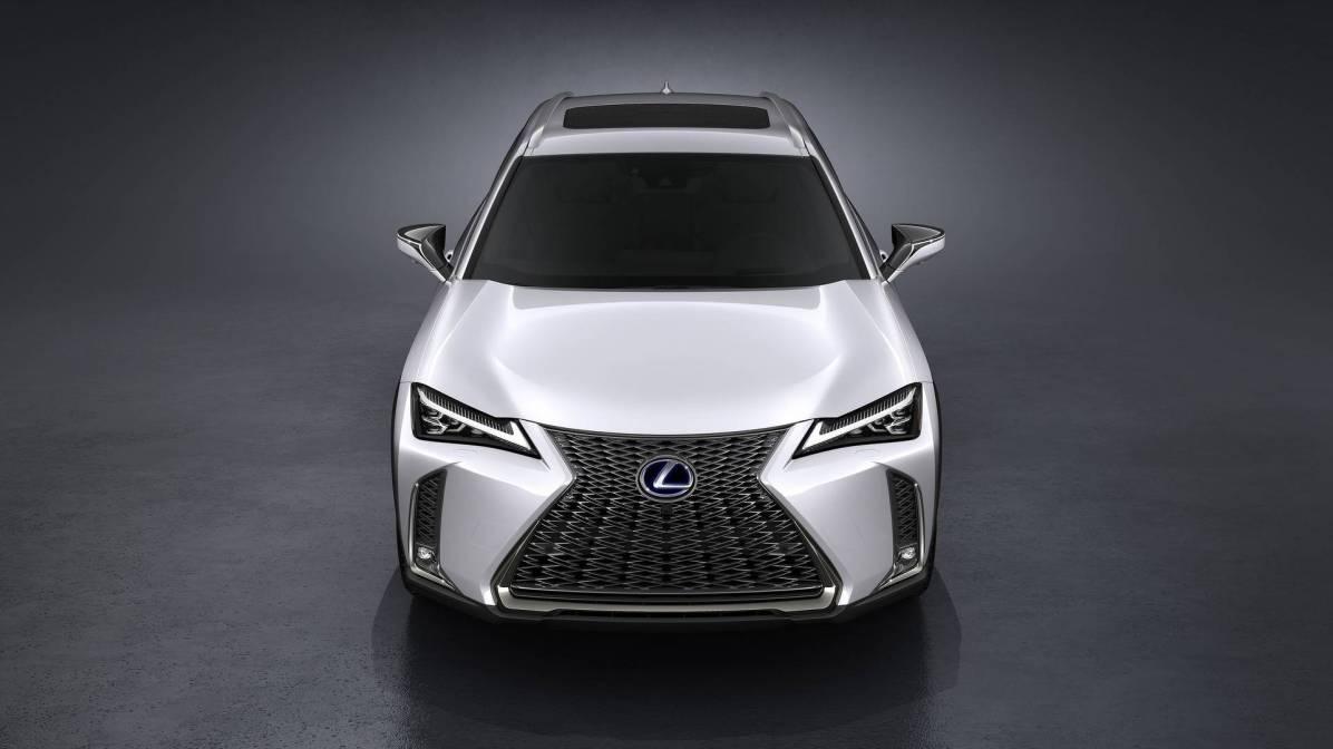 Lexus UX - avantgardno oblikovanje, ki bo všeč vsem tistim navdušencem nad japonskimi avtomobili.