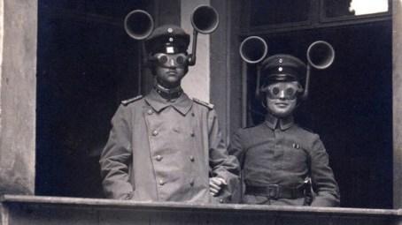 1914: Naprave, s katerimi so prisluškovali, ali prihajajo sovražnikova letala.
