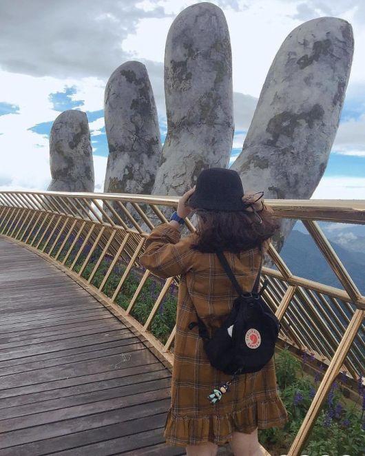 Dih jemajoči most v Vietnamu, ki spominja na film Gospodarja prstanov