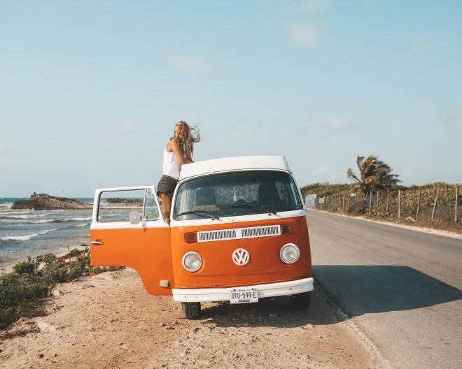 Odpravi se na 'road trip'.