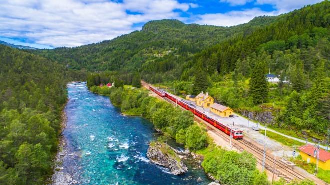 Proga med Oslom in Bergnom velja za eno najlepših potovanj z vlakom.