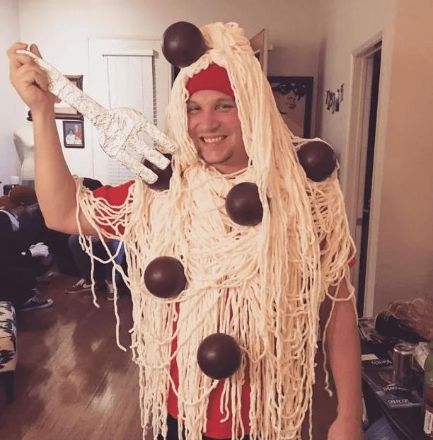 Špageti z mesnimi kroglicami.
