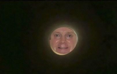 """Sebek """"moon selfie"""""""
